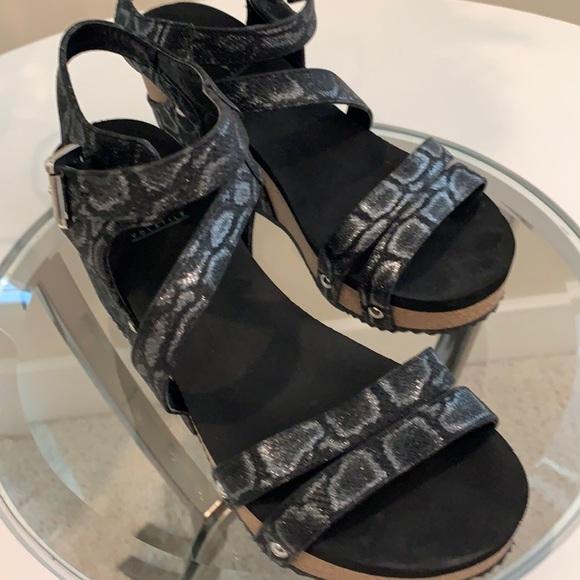 Volatile black & silver sandals like new!!